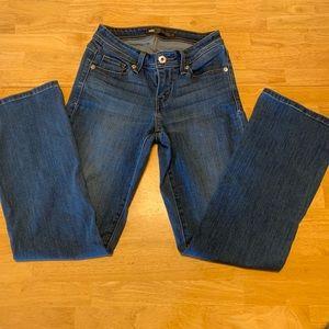🌸Levi's mid rise curvy boot cut jeans